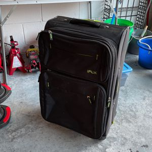 FREE Suitcase for Sale in Kissimmee, FL