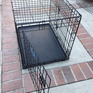 Folding dog crate for Sale in Los Angeles, CA