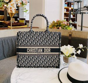 CHRISTIAN DIOR OBLIQUE TOTE BAG EMBROIDERED CANVAS (low offers ignore serious buyer only) for Sale in Los Angeles, CA