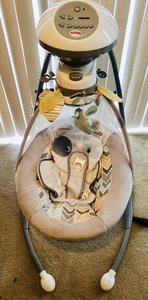 Fisher Price baby swing for Sale in Saint Charles, MO