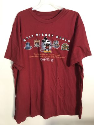 Walt Disney world parks mickey T-shirt size XL for Sale in Clermont, FL