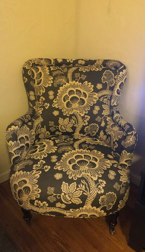 Black and White Floral Reading Chair for Sale in San Diego, CA