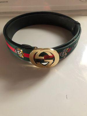 Gucci belt for Sale in Walton, KY