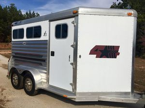 Full Price$14OO 4 Star 2 Horse Bumper Pull Trailer for Sale in Fort Lauderdale, FL