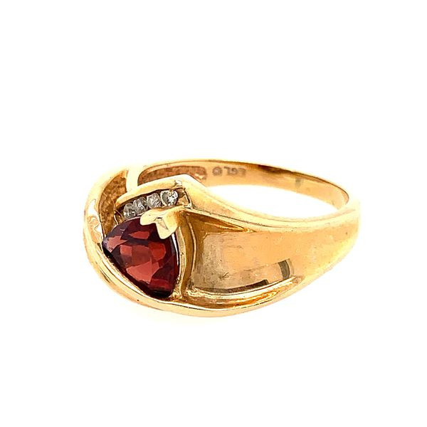 10k Garnet and Diamonds Ring
