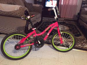 "20"" Girls Bike for Sale in Modesto, CA"