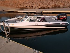 2000 triton fish ski boat for Sale in Modesto, CA