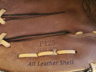 Left Handed Baseball Glove for Sale in Carlsbad,  CA