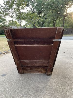 Wooden planter for Sale in Everman, TX