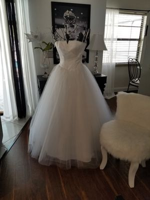 Wedding dress size 9 for Sale in Orlando, FL