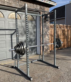 Titan Fitness Olympic Power Rack w/ 300lbs Olympic Weight Set for Sale in Happy Valley, OR