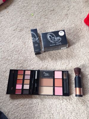 Make up for Sale in Everett, WA