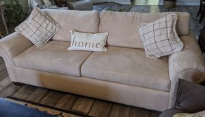 Villa Hallmark Upholstery Sofa, like new for Sale in Chico, CA