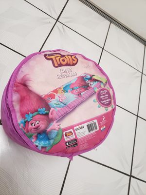Trolls camping sleeping bag for Sale in Moreno Valley, CA