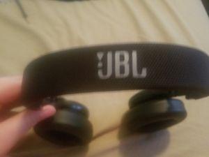 Jbl wireless headphones for Sale in Montrose, MI