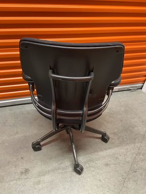 Comfortable office chair for Sale in Irvine, CA
