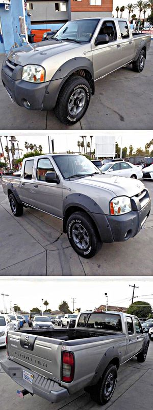 2002 Nissan Frontier XE-V6 Crew Cab Long Bed 4WD for Sale in South Gate, CA