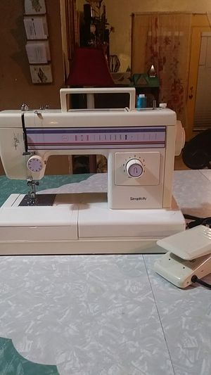SIMPLICITY SEWING MACHINE...IN GOOD WORKING CONDITION for Sale in San Antonio, TX