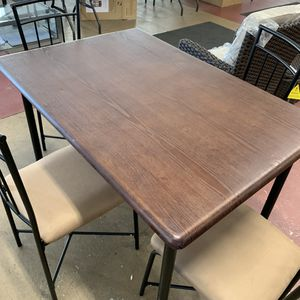 Kitchen table and chairs. Good condition. for Sale in Groveport, OH
