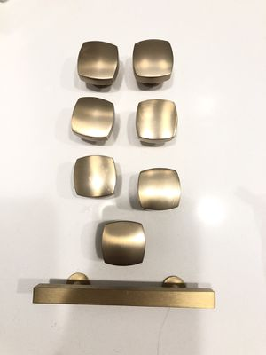 Gold/ brass knobs pull for Sale in Santa Ana, CA