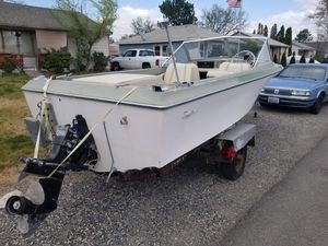 1969 Bayliner 16foot in-board out-board boat with motor 4 cylinder Excellent Condition for Sale in Richland, WA