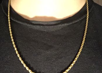 Gold Chain Rope Chain 22in 3mm for Sale in Runnemede,  NJ