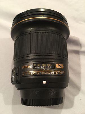 Nikon 20mm 1.8 lens for Sale in Honolulu, HI