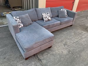 SECTIONAL SOFA COUCH VERY NICE FREE CURBSIDE DELIVERY!!! for Sale in Long Beach, CA