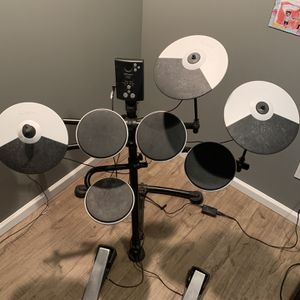roland electric drum set for Sale in Shirley, NY