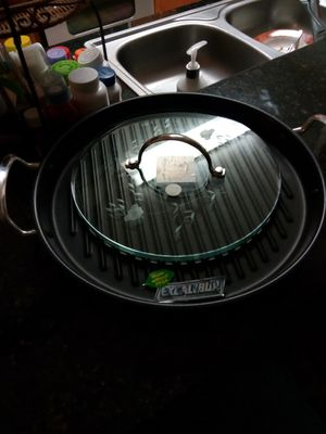 "Culinario Series® Healthy Cookware 13"" Round Grill Pan and Glass Press  6985 $ 199 95 for Sale in Eustis, FL"