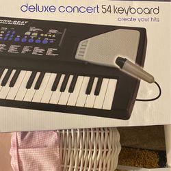 Keyboard for Sale in Hendersonville,  TN