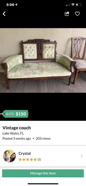 Vintage couch for Sale in Haines City, FL
