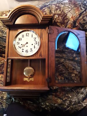ANTIQUE WALL CLOCK for Sale in Springfield, MO