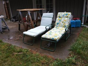 Two Lawn Chairs With Matching Reversible Cushions $15 each or $25 for both for Sale in Mountlake Terrace, WA