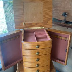 Jewelry Box for Sale in Tavares,  FL