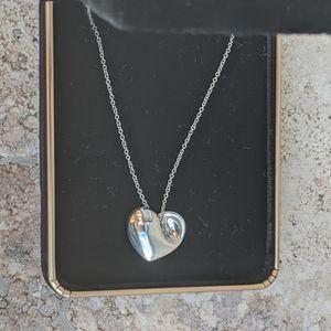 Tiffany&Co Silver Heart Necklace for Sale in Miami, FL