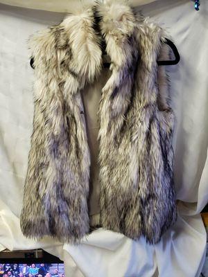 TCEC Faux Fur Vest - size Large for Sale in Lawndale, CA