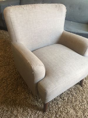 FREE Accent Chair-cat scratches but great bones for Sale in Phoenix, AZ