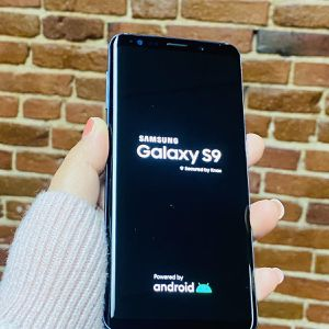Samsung Galaxy S9,64gb,factory unlocked,excellent condition,each for Sale in Malden, MA