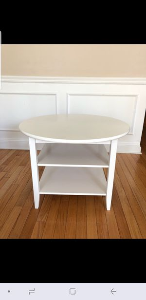Kids round Table & a Chair for Sale in Hartford, CT