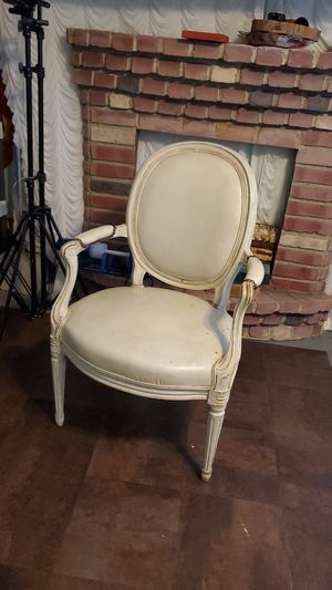 Antique chair for Sale in Los Angeles, CA