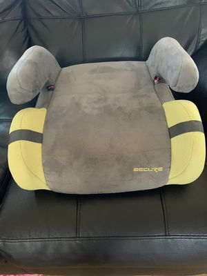 Secure booster car seat for Sale in Lynwood, CA