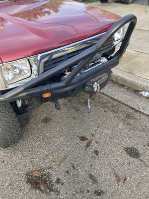 Stinger bumper with trail master winch for Sale in Lynnwood, WA
