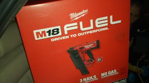Milwaukee m18 fuel 20 degree framing nailer for Sale in Chino Hills, CA
