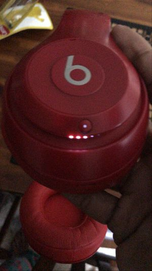 STUDIO 3 BEATS WIRELESS HEADPHONES for Sale in Tacoma, WA