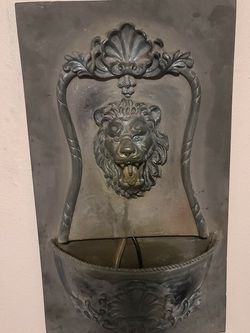 LIONS HEAD WATER FOUNTAIN for Sale in Vancouver,  WA