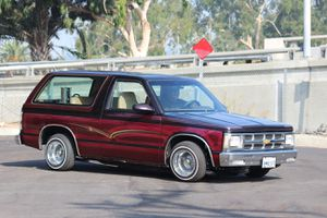 LOWRIDER Chevy Blazer s10 1986 Tahoe Jimmy Chevrolet for Sale in Los Angeles, CA