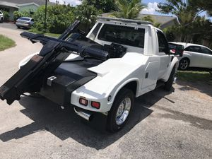 Tow truck bed chevron/miller for sale for Sale in Miami, FL