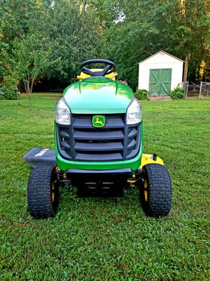 John Deere D105 Riding Mower 59 Hours. Mint Condition for Sale in Lawrenceville, GA