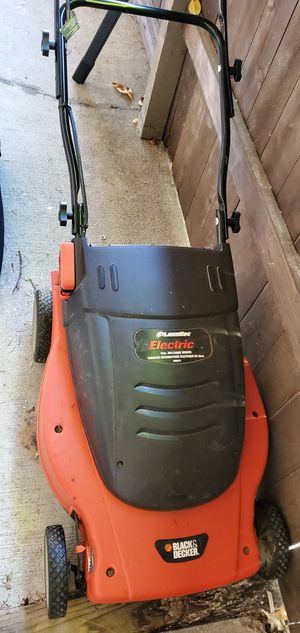 Black & Decter Lawn Hog electric lawn mower for Sale in Federal Way, WA